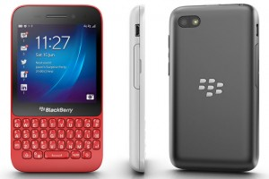 BlackBerry Q5 Three Sided View