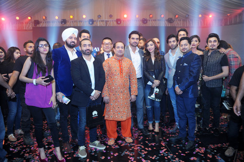 Mr-Rahat-Fateh-Ali-Khan-on-Huawei-Mate-S-event