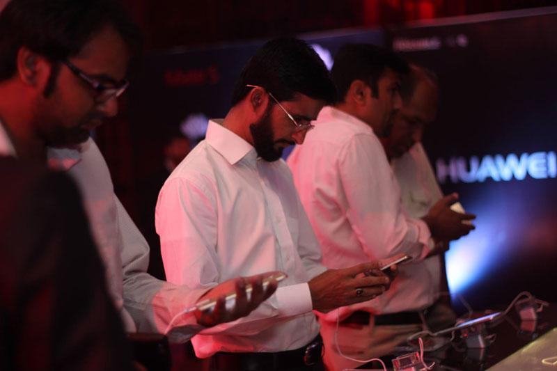 Pakistani-Bloogers-at-Huawei-Mate-S-event-in-Royal-Palm-Silver-Bels